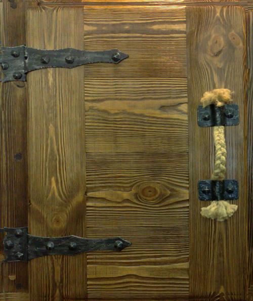 Как состарить деревянную дверь своими руками 55